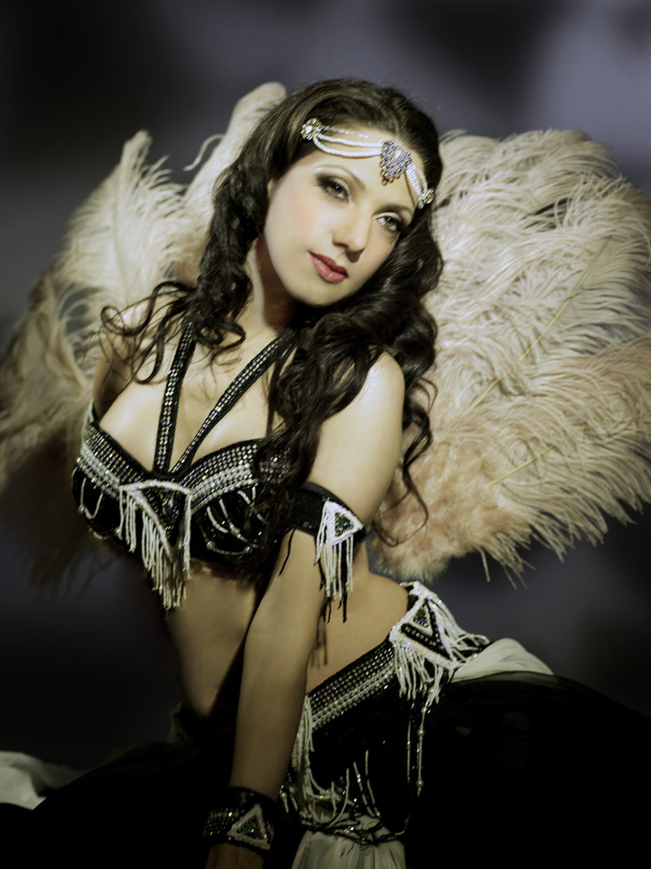 Bellydancer Sira NY channeling classic Hollywood in a retro portrait